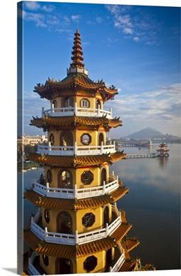 Taiwan, Lotus pond, Dragon and Tiger Tower Temple