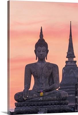 Thailand, Sukhothai Historical Park. Wat Mahathat temple at sunset