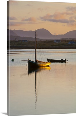 Traditional Galway hooker, Roundstone Harbour, Connemara, Co. Galway, Ireland