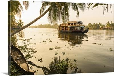 Traditional house boat, Kerala backwaters, Kerala, India