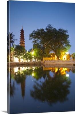 Tran Quoc Pagoda, West Lake (Ho Tay), Hanoi, Vietnam