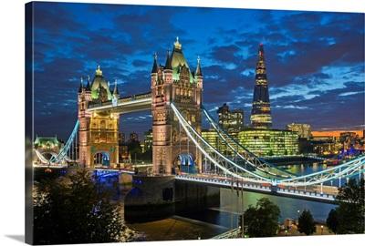 UK, England, London, River Thames, Tower Bridge and The Shard