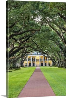 United States, Louisiana, Vacherie. Historic Oak Alley Plantation