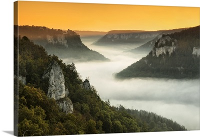 View From Eichfelsen Rock On Schloss Werenwag Castle And Danube Valley, Germany
