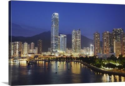 View of Nina Towers, Tseun Wan, New Territories, Hong Kong, China