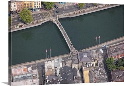 Half Penny Bridge, Dublin, Ireland