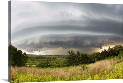 A shelf cloud from a supercell thunderstorm in Tornado Alley