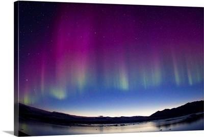 Northern Lights during a geomagnetic solar storm, Jokulsarlon Lagoon, Iceland