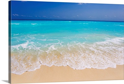 White sand and turquoise waters at the beaches in Cancun, Mexico