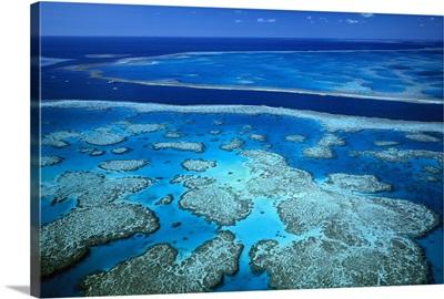 Deep channel separating Hardy Reef from Hook Reef, Great Barrier Reef Marine Park