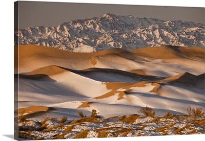 Khongor Sand Dunes in winter, Gobi Desert, Mongolia