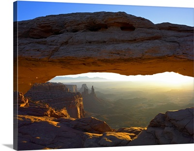 Mesa Arch at sunset from the Mesa Arch Trail, Canyonlands National Park, Utah