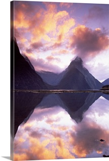 Mitre Peak at sunset, Milford Sound, Fiordland National Park, New Zealand