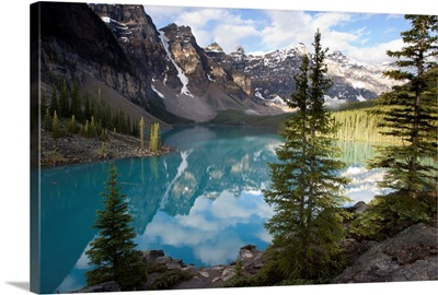 Moraine Lake in the Valley of the Ten Peaks, Banff National Park, Alberta, Canada