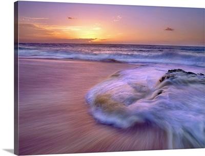 Sandy beach at sunset, Oahu, Hawaii
