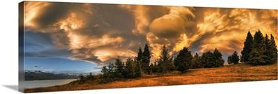 Sunset near Lake Pukaki, Mackenzie Country, New Zealand