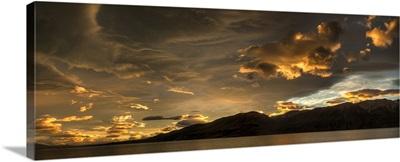 Sunset over Lake Pukaki, Lake Tekapo, New Zealand