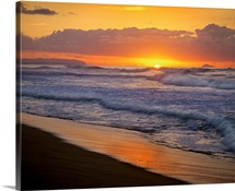 Sunset over Polihale Beach, Kauai, Hawaii