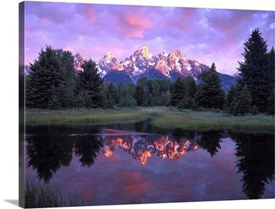 Teton Range at sunrise, Schwabacher Landing, Grand Teton National Park, Wyoming