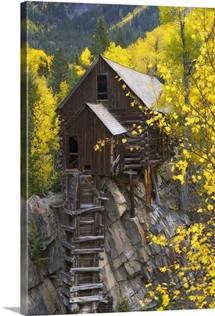 A mill on a rock promontory above the Crystal River