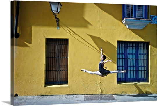Ballet in the colonial streets of old Havana Wall Art, Canvas Prints ...