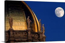 Capitol dome with moon, Hartford, Connecticut