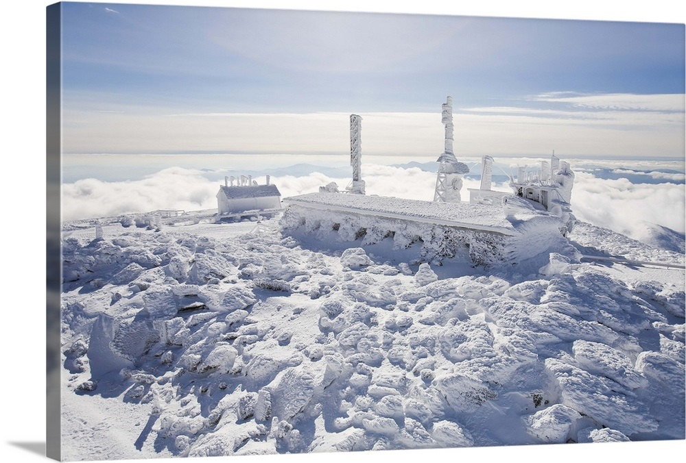 The Mount Washington observatory, completely covered in rime ice