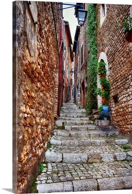 Alley in Sermoneta, Italy