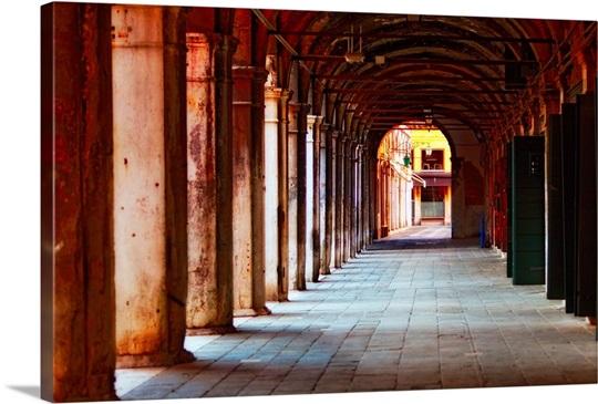 Covered Walkway of Sotoportego del Banco Giro, Rialto, Venice, V