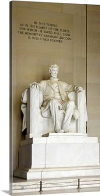 Abraham Lincolns Statue in a memorial, Lincoln Memorial, Washington DC