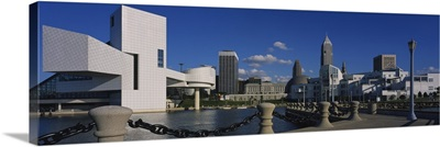 Building at the waterfront, Rock And Roll Hall Of Fame, Cleveland, Ohio