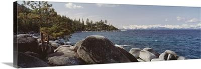 California, Lake Tahoe, Rocks on the coast