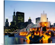 Fountain in a city lit up at night, Buckingham Fountain, Chicago, Illinois
