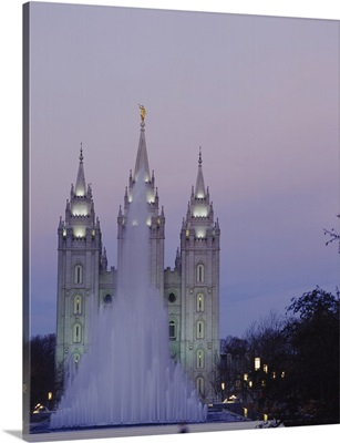 Fountain in front of a temple, Mormon Temple, Salt Lake City, Utah