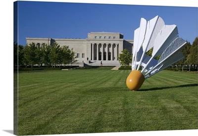 Gaint shuttlecock sculpture in front of a museum, Nelson Atkins Museum of Art, Kansas City, Missouri