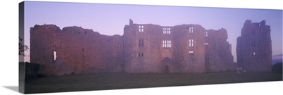 Ireland, Roscommon Castle, View of the castle at dawn