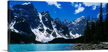 Lake in front of snowcapped mountains, Moraine Lake, Alberta, Canada