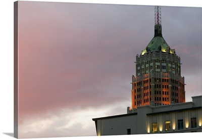 Low angle view of a building, Tower Life Building, San Antonio, Texas