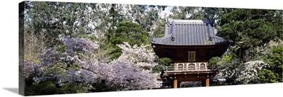 Low angle view of entrance of a park, Japanese Tea Garden, Golden Gate Park, San Francisco, California