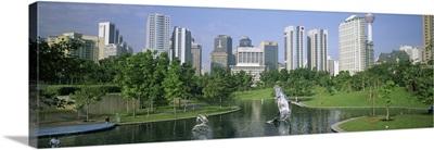 Malaysia, Kuala Lumpur, Petronas Twin Towers, Park in the city