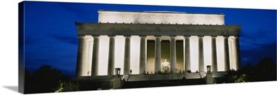 Memorial lit up at night, Lincoln Memorial, Washington DC
