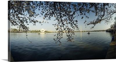 Monument at the waterfront, Jefferson Memorial, Potomac River, Washington DC