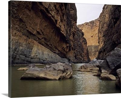 Rio Grande winding through Santa Elena Canyon, Big Bend National Park, Texas