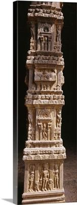 Sculptures carved on a column, Tamil Nadu, India