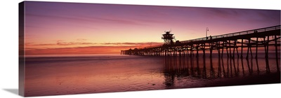 Silhouette of a pier, San Clemente Pier, Los Angeles County, California
