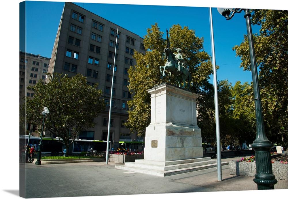 chile statue