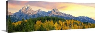 Sunrise over Teton Range, Taggart Lake Trail, Grand Teton National Park, Wyoming