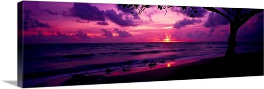 Sunrise over the sea, Pounders Beach, Oahu, Hawaii