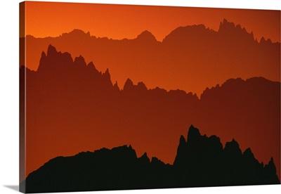 Sunset Light On Jagged Peaks Of The Minarets