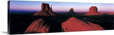 Sunset Monument Valley Tribal Park UT